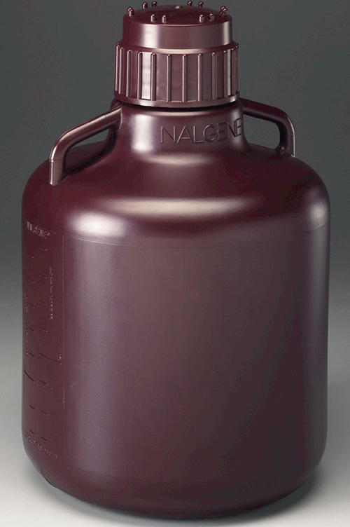 2256-7020: Nalgene Carboy w/Handles Amber HDPE  10L (Case of 6)