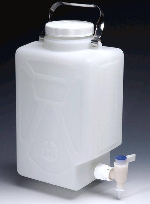 DS2327-0020: Nalgene Fluorinated Rectangular Carboy w/Spigot FLPE 9 L
